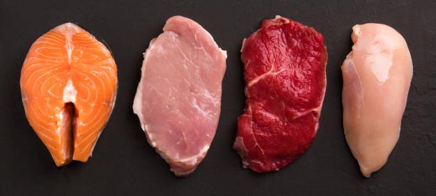 Viande-consommation_Freepik_collection-viande-crue_143106-37